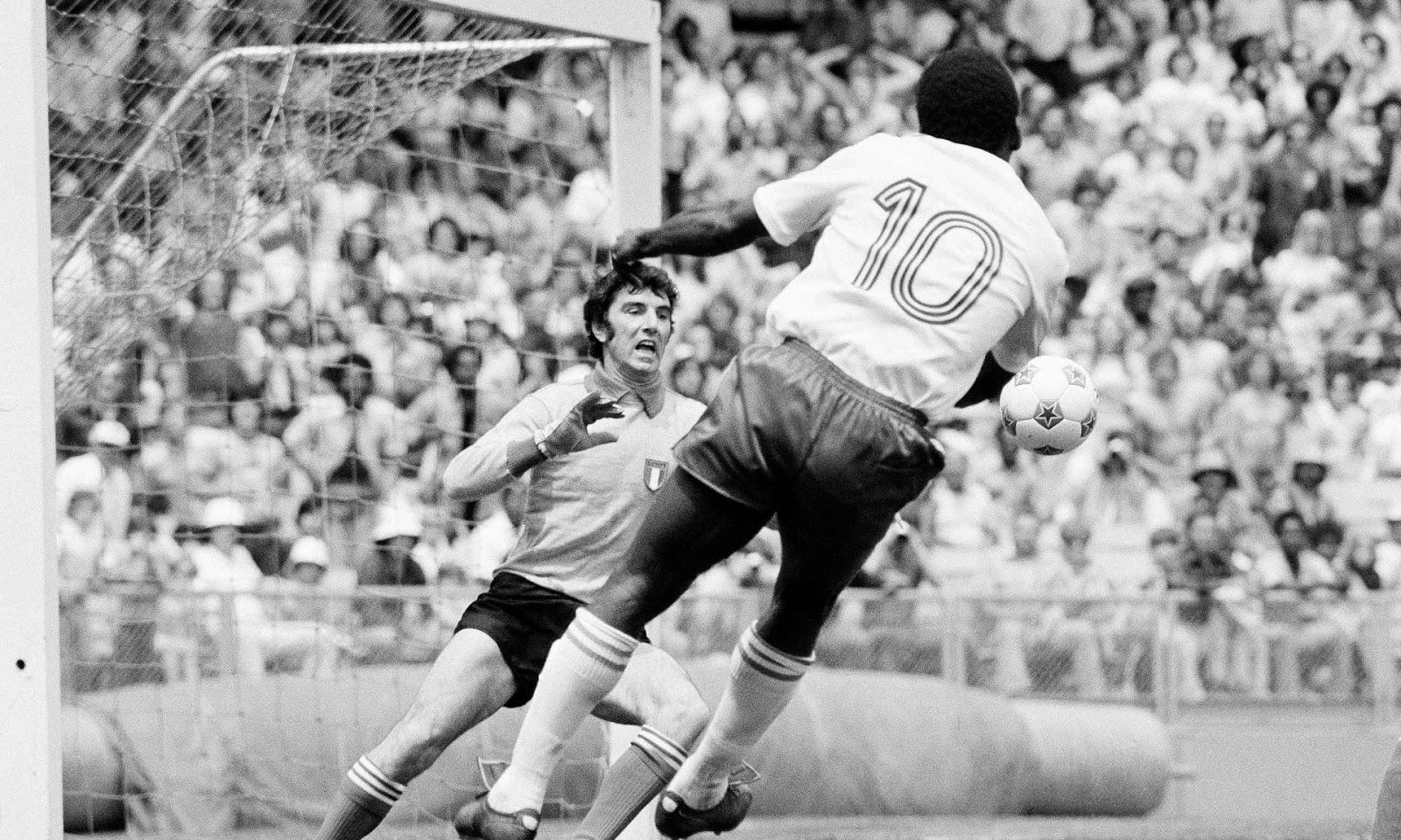 Pele vs. Dino Zoff