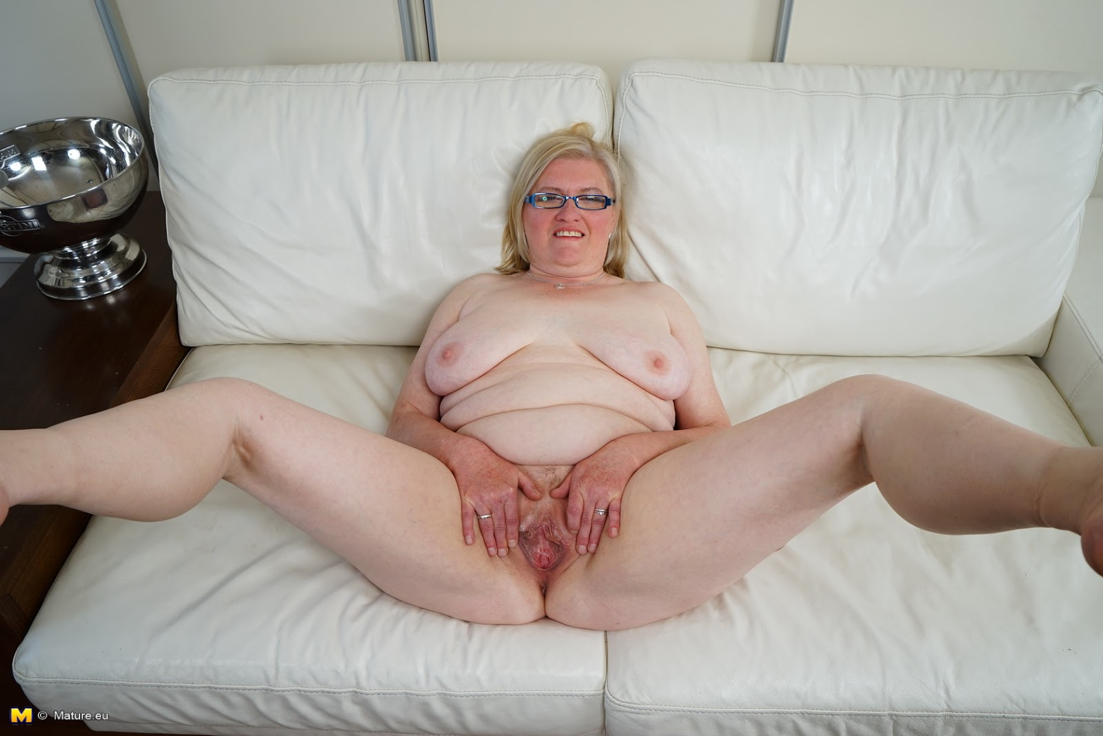 Solo 9 bbw granny with big natural boobs - 3 3
