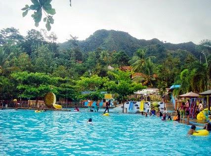 Proteksi Diri saat Menikmati Wisata Kota Bandung!