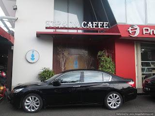 Strada Caffe Semarang Outside