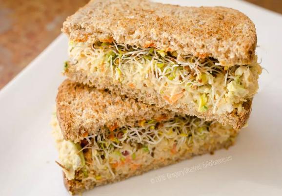 Vegan Tuna Salad Sandwich #vegan #vegetarian