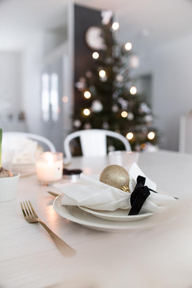 joulukuusi, joulukattaus, sisustus, Villa H, ruokailutila,