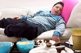 Ini yang Terjadi Jika Anda Makan Besar Satu Jam Sebelum Tidur