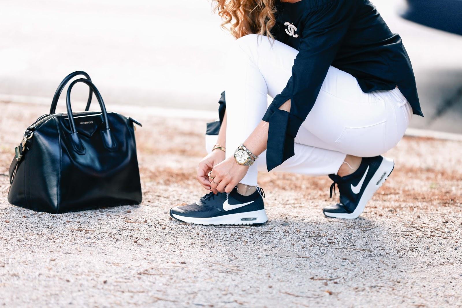 Givenchy-tasche-blogger-style-casual-look-nike-sneaker-schwarze-sneaker