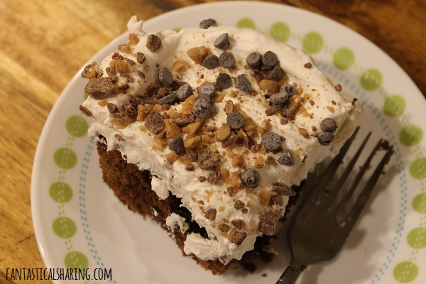 Chocolate Gingerbread Toffee Cake #recipe #cake #dessert #chocolate #gingerbread #toffee