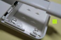 Batteriefach: Bonlux Bewegung aktiviert LED-WC-Nachtlicht 16 Farben ändern Batteriebetriebene automatische Sensor-LED-Nachtlicht für Badezimmer Waschraum -WC-Schüssel Sitz Lampe [Energieklasse A+]