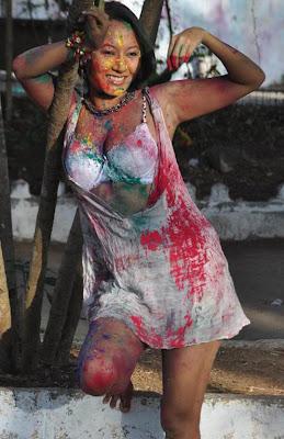 Heroine Pooja Basu Holi Sexy Image