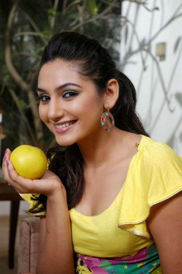 Ragini Dwivedi,Hot Actress