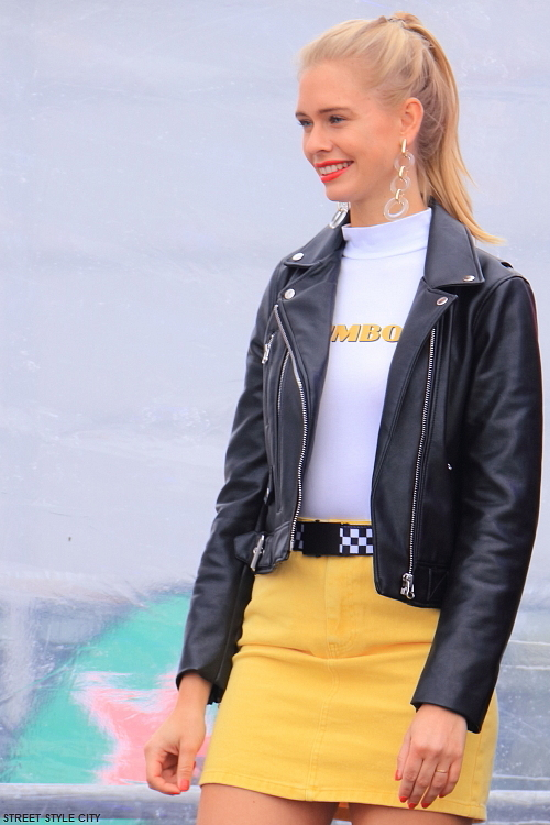 black leather jacket yellow mini skirt outfit look ootd sexy hot girl streetstyle streetfashion streetlook wear wearing