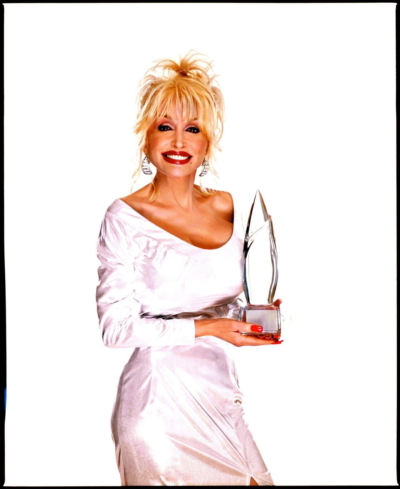 Dazzling Divas: Dolly Parton