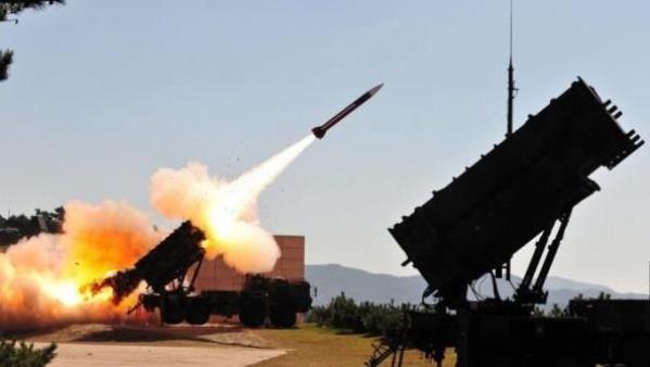 الدفاعات الجوية السورية تتصدى لعدوان بالصواريخ وتسقط عدداً منها..الحركة في المطار لم تتأثر.