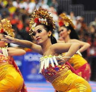 Sejarah Kesenian Tari Pendet dan gerakan Tarian Pendet Tradisional Bali Tempat Wisata Sejarah Kesenian Tari Pendet dan gerakan Tarian Pendet Tradisional Bali