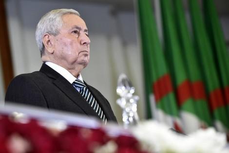 """بن صالح يعد الجزائريين بتنظيم انتخابات رئاسية """"شفافة ونزيهة"""""""