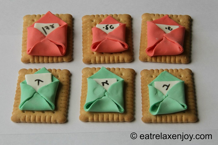 מעטפות מתוקות מבצק סוכר - לחלוקה לילדים