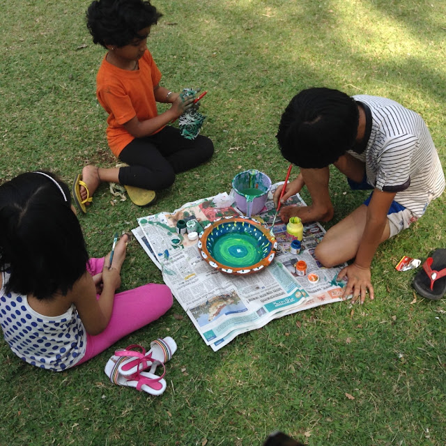 Kids paint earthen pots at their Holi celebrations - 1 ( event organised by Indiaart Gallery and Suyog Mitra Mandal )