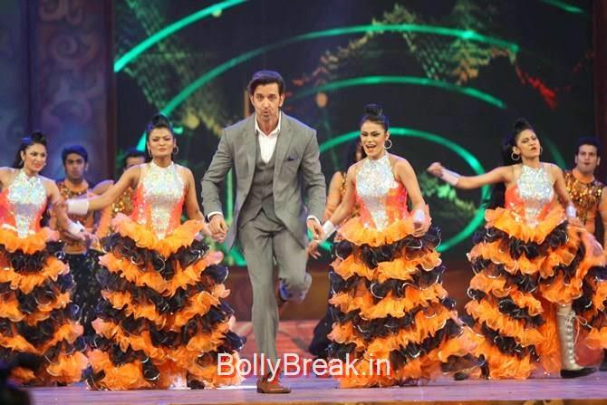 Hrithik Roshan, Katrina,  Shah Rukh, Priyanka, Deepika At Umang 2015