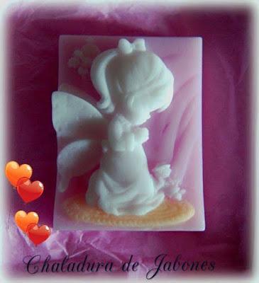 Jabón-natural-niña-de-comunión-Chaladura-de-jabones
