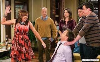 """""""Slapsgiving"""" scene of How I Met Your Mother"""
