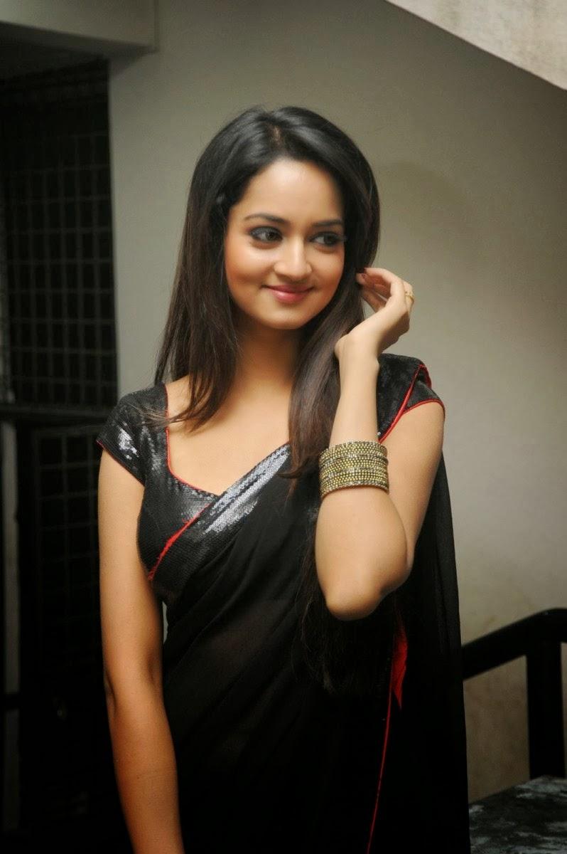 Surekha Vani Family Actress Shanvi Hot Bla...