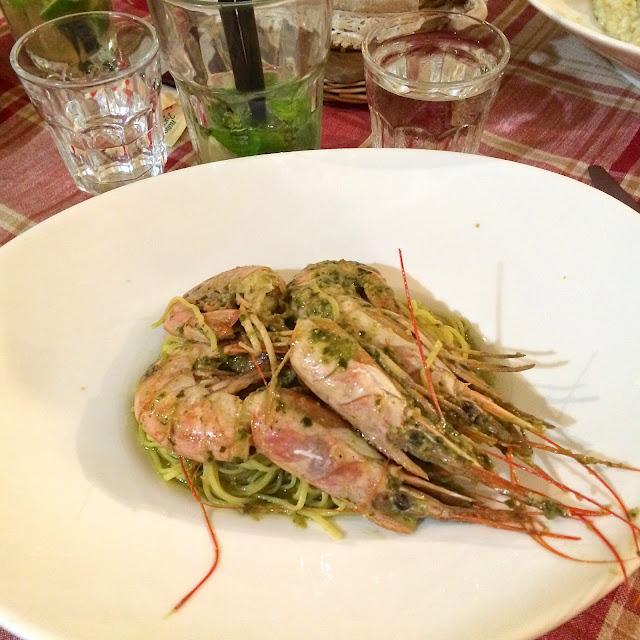 pesto pasta with prawns