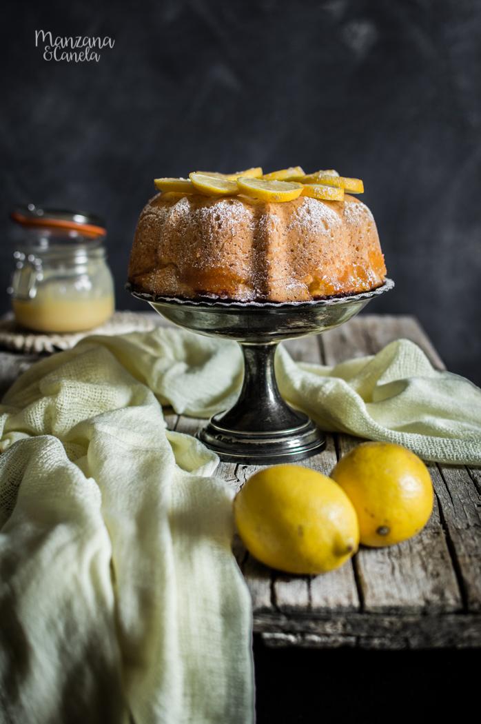 Bizcocho de limón relleno de lemon curd