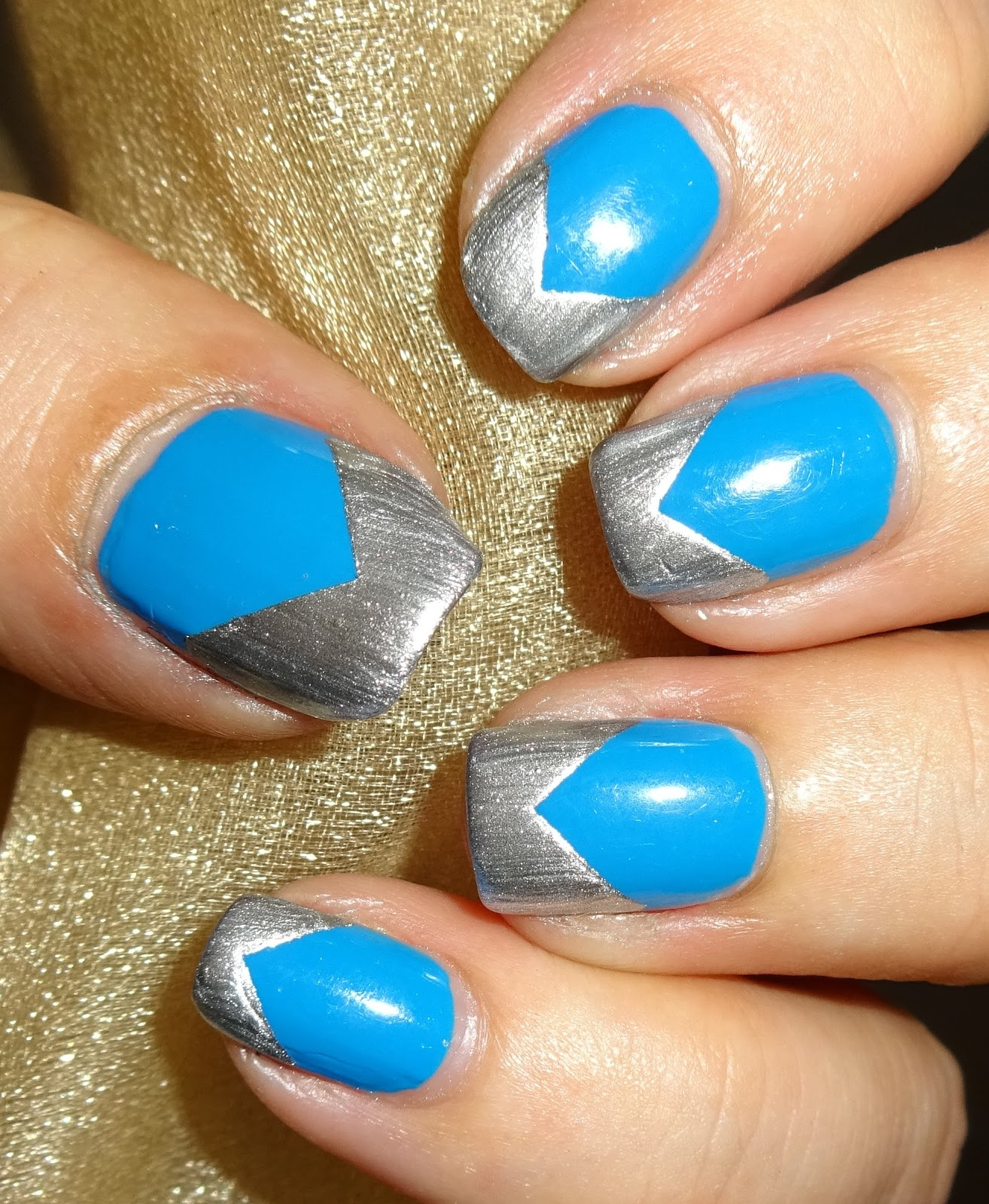 7 Tips For Ocean Chlorine Proofing Your Manicure Nail: Wendy's Delights: Blue & Silver Nails Using Avon Just