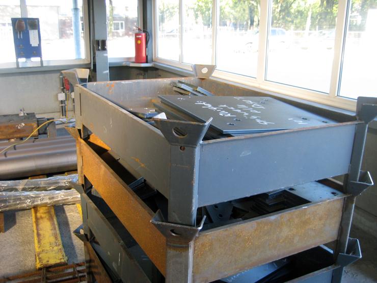 Контейнера для металлических фасонных деталей