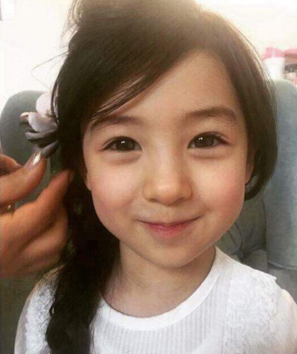 Gadis Kecil Ini Dinobat Kanak-Kanak Paling Cantik di Dunia