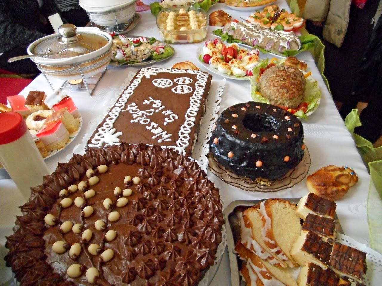 świąteczne wypieki, kremy, stoły wielkanocne, ciasta