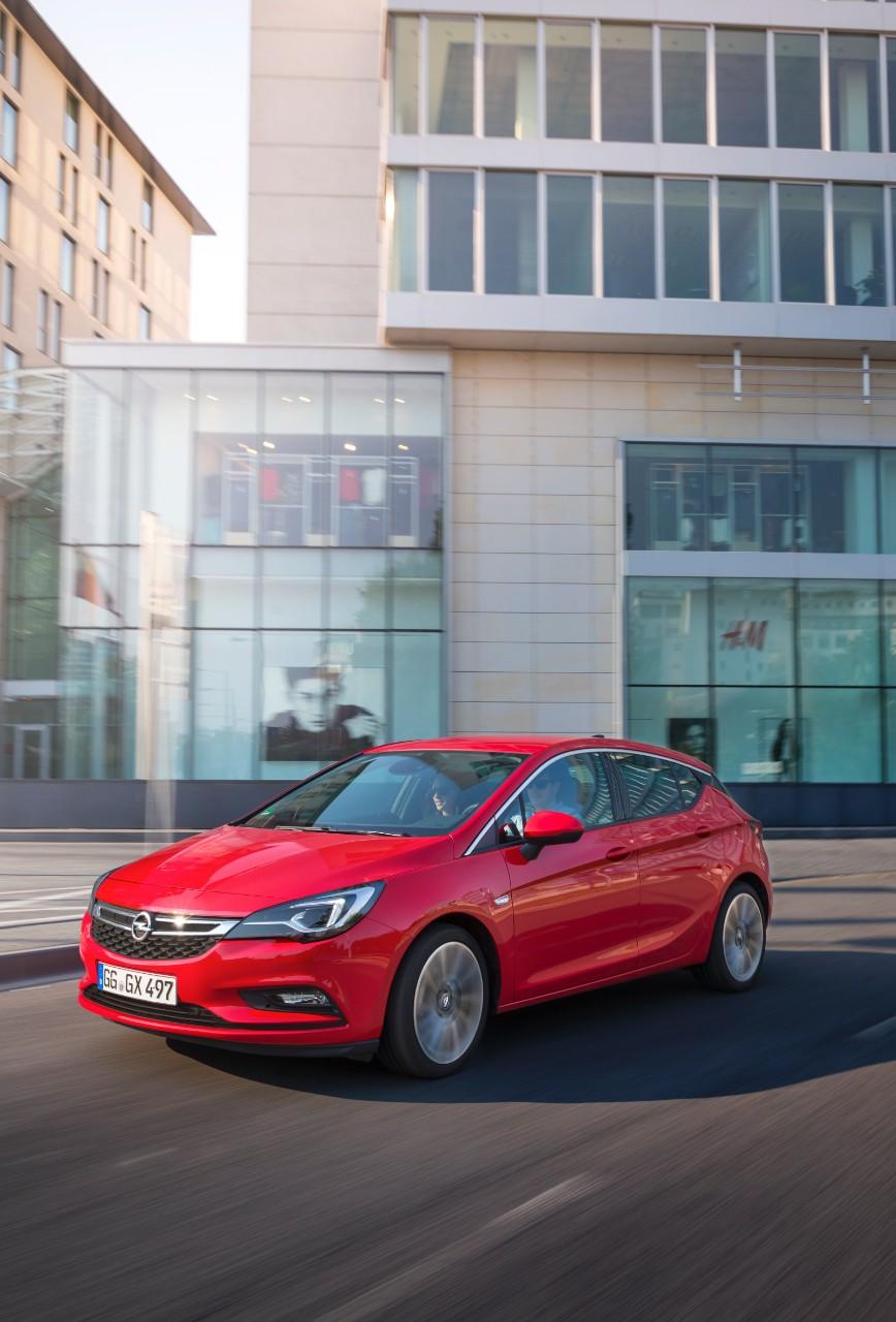 cq5dam.web.1280.1280%252824%2529 Ασφάλεια και πολυτέλεια 5 Αστέρων για το νέο Opel Astra Hatcback, Opel, Opel Astra