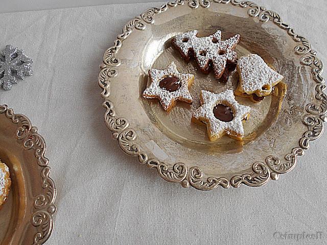 receita bolachas recheadas com chocolate e avelas