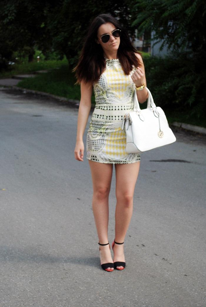 stylizacja z sukienką w stylu balmain