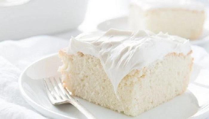 Το «κέικ των αγγέλων»: Το λευκό βελούδινο κέικ που λιώνει στο στόμα