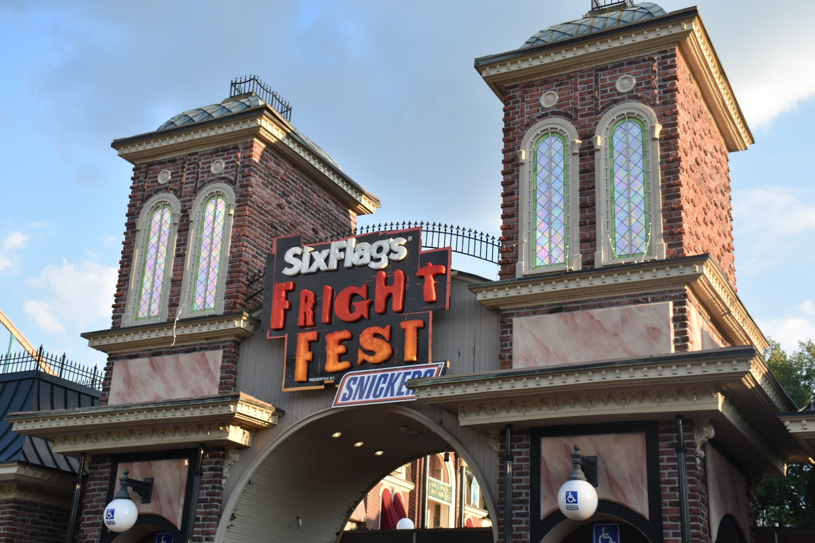 Is Six Flags Fright Fest too Scary for Kids?  A Mom Review