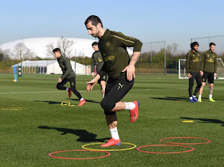 Arsenal in Training for Bournemouth