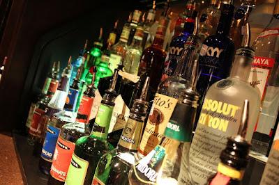 網購酒類將開放試辦,政府擬推「購買、支付、取貨」三關查驗購買人年齡