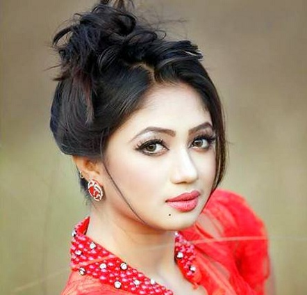 Top 10 Best Sexiest Dhallywood Actresses in 2017