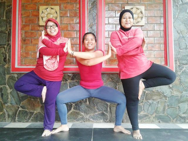 yoga pose, kelas yoga, sanggar yoga