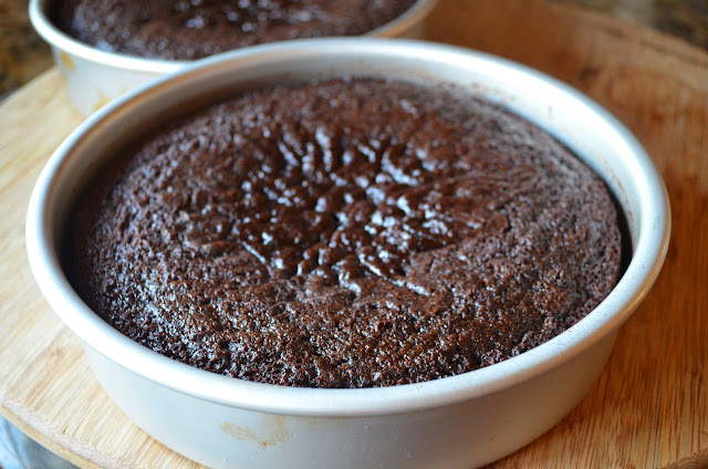 Moist-Chocolate-Cake-With-Ganache-Frosting-Cool-Cake.jpg