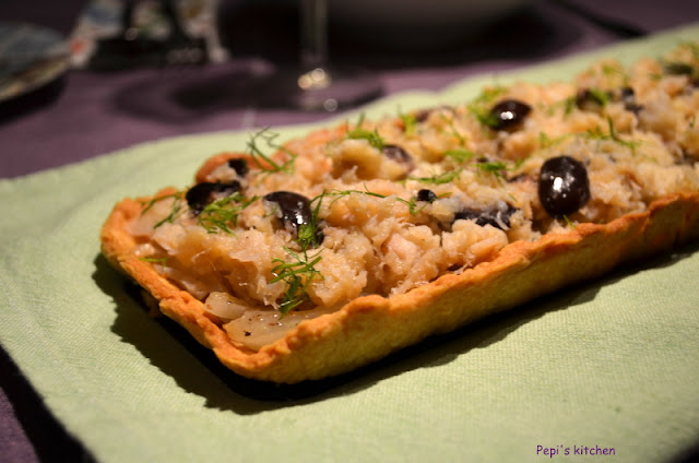 Blogoσυνταγές Νο 37 . . . Τάρτα με μπακαλιάρο, φινόκιο  και  ελιές