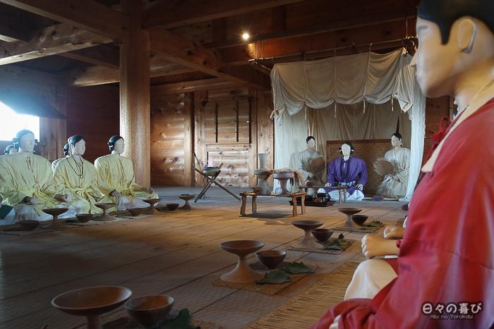 Kitanaikaku, reconstitution intérieure avec mannequins, parc Yoshinogari, Saga