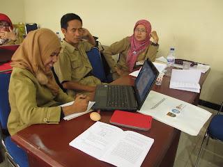 berdiskusi proyek pembelajaran IPA