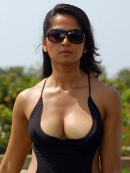 Anushka Sexy Nude Photos 111