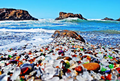 Playa de los cristales de California - Glass Beach