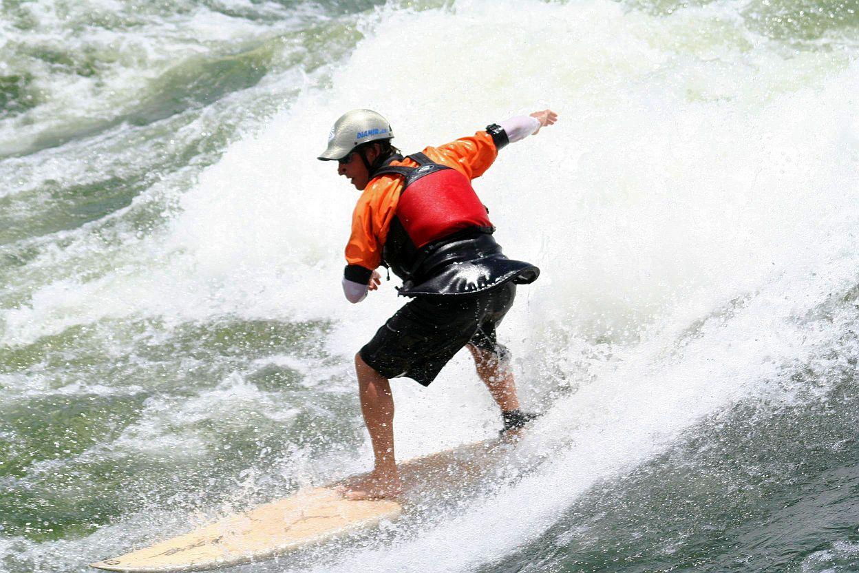 Surfeando en el Nilo