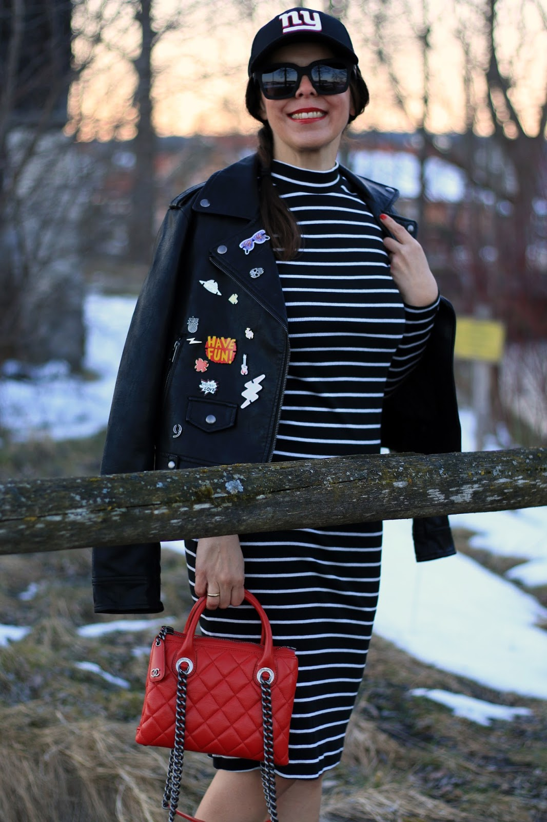 Outfit mididress with Chanel bag
