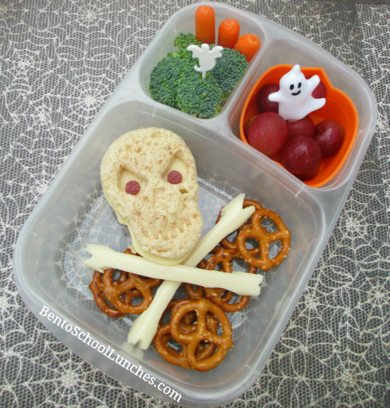 Skull and Crossbones Halloween bento lunch