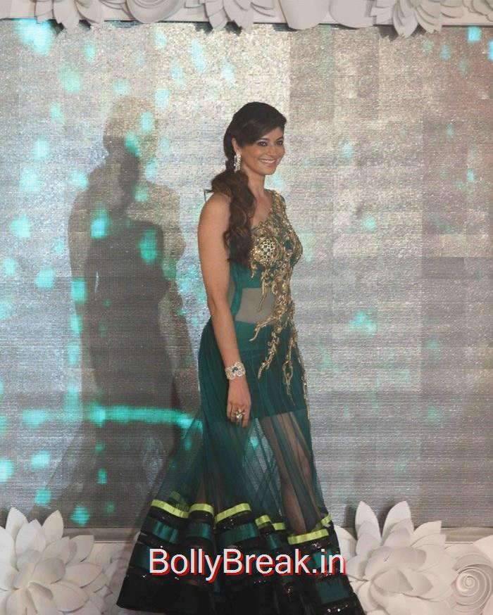 Barkha Bisht, Hot HD Images of Shriya Saran On The Ramp at 'Main Tamanna 2' First Look Launch
