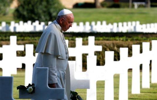 Abusos sexuales de la Iglesia católica enmarcan gira del papa