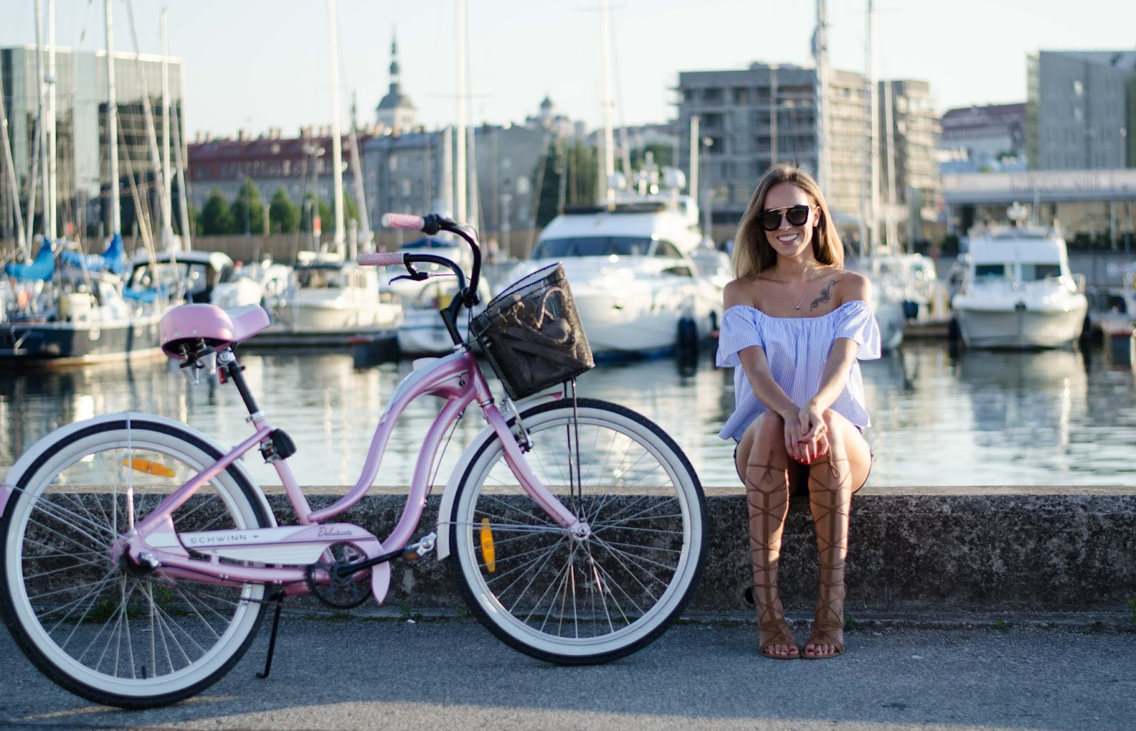 schwinn pink ladies debutante city cruiser bike